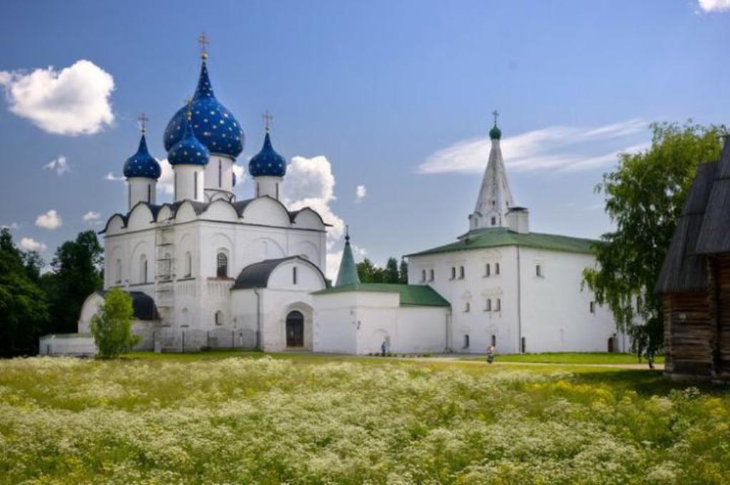 Suzdal-Russia-e-ok